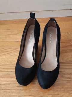 Aldo black wedges size 8- used but loved