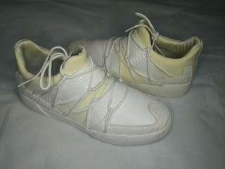 Argxy Wrap Abstract White Sneakers
