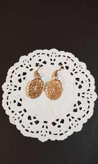 Plated gold lace earrings