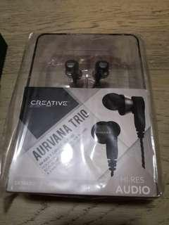 BNIB Aurvana trio with free gift