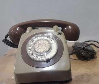 Telephone J&T