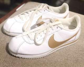 2a91e228ec44 Nike Cortez (Authentic
