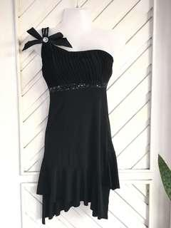 IMPORTED Black One Side Strap Party Dress