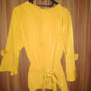 Baju wanita kuning
