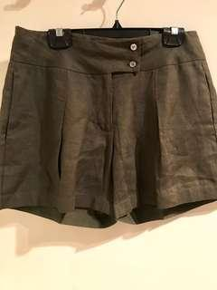 Biasa linen shorts