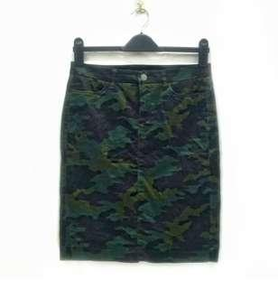 Uniqlo Full Print Camouflage Design Pencil Skirt
