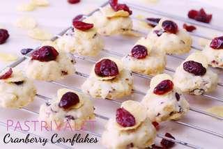 Cranberry Cornflakes