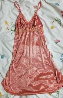 全新粉橘緞面睡衣
