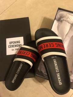 Opening Ceremony 拖鞋