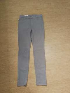 BNWT Uniqlo Legging Pants