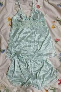 緞面水藍上衣+短褲睡衣