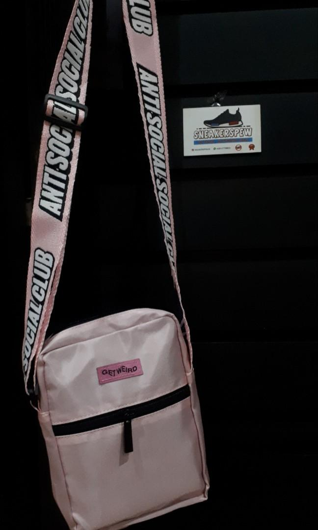 Anti social social club side bag ( black / pink )