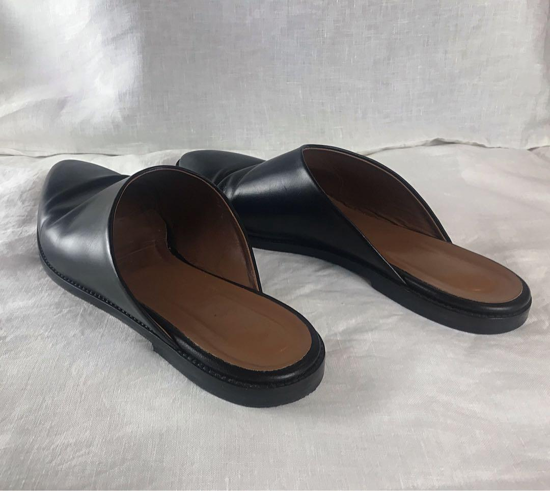 ATP Atelier Made in Italy Black Leather Almond Toed Flat Mules