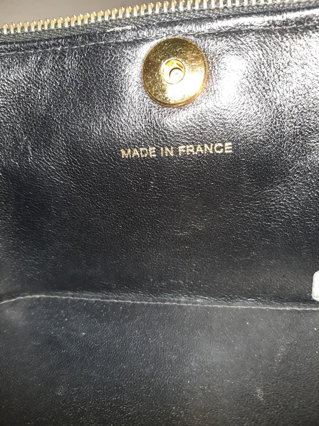 AUTHENTIC CHANEL CC LOGO VANITY BAG - IN SHINY BLACK PATENT LEATHER - 24K GOLD PLATED HARDWARE- HOLOGRAM STICKER INTACT- CLEAN INTERIOR, SOLID SHAPE STRUCTURE - COMES WITH EXTRA LONG CHAIN STRAP FOR CROSSBODY / SLING -