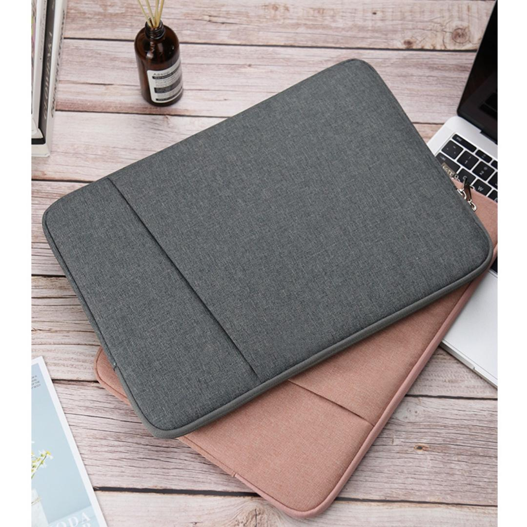 Causal Fit Laptop Cover
