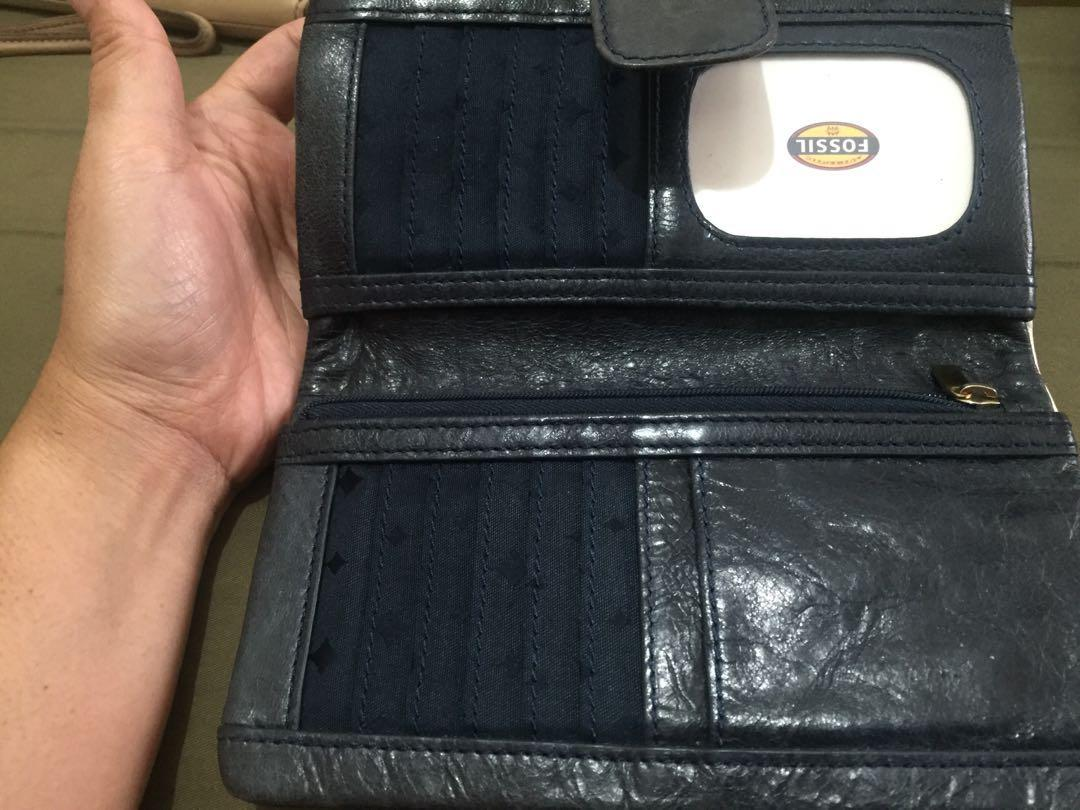 dompet fossil emory