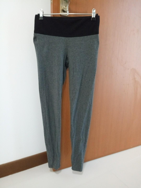 Uniqlo tights