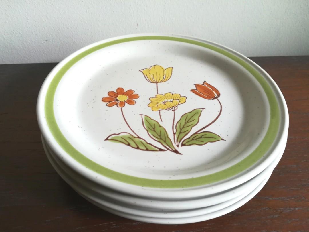 Vintage 70s Floral Stoneware 7 5 Plates 4pc Home Appliances Kitchenware On Carousell