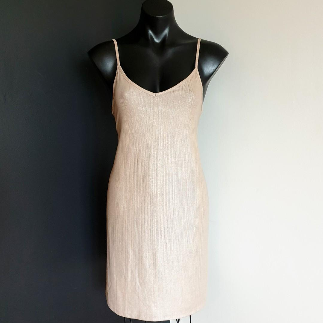 Women's size M 'FACTORIE'  Gorgeous casual nude slip dress - AS NEW