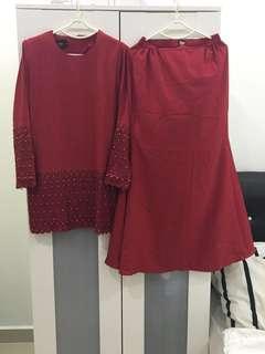 Baju kurung merah