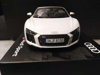 1:18 Audi R8 Spyder V10 Diecast Model Car