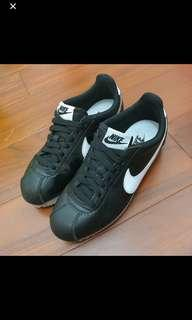 🚚 Nike黑底白勾阿甘