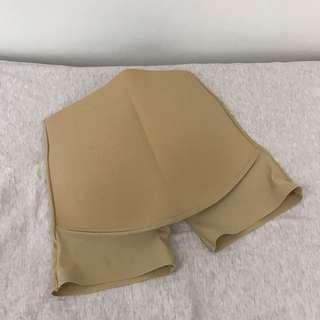 🚚 賣到6/2_肉色翹屁股臀墊 穿婚紗必備 尺寸S