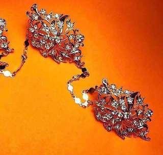 Gold kerosang - Costume jewellery