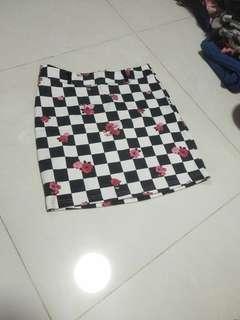 🚚 Skirt chequered