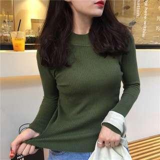 軍綠色毛衣打底衫