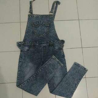 Jumpsuit jeans/celana kodok