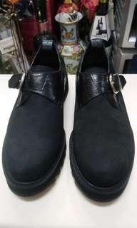 男庄猄皮皮鞋