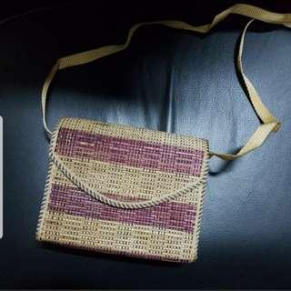 🚚 Small sling bag from Bali