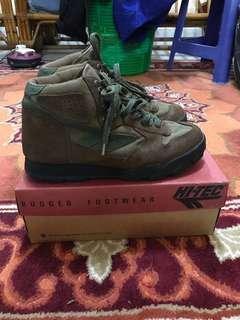 Hitec shoes