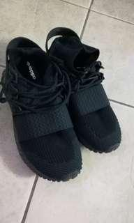 Adidas tubular doom black sz. 10.5