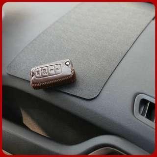 Car Anti-slip 27 x 15cm Mat PVC Large Car Storage Mat Silicone Grid Phone Pad
