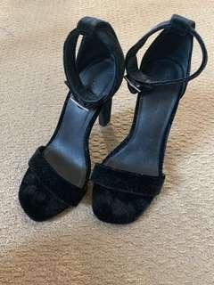 Witchery heels size 7