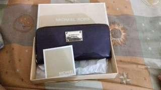 Preloved dompet Michael Kors ( Purple )