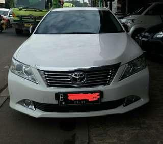Toyota Camry V 2,5 at 2013