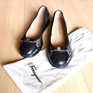 Authentic Salvatore Ferragamo My Sporty Ballerina Flats in Nero Pebble