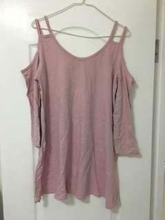 淺粉色露肩連身衣