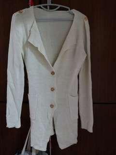 米白色金絲外套