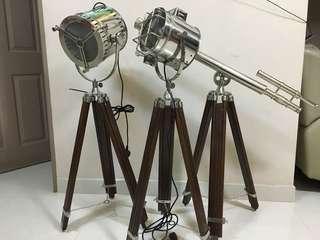 🚚 Tripod search lamp and tripod telescope