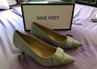 NineWest low heeled shoes velvet