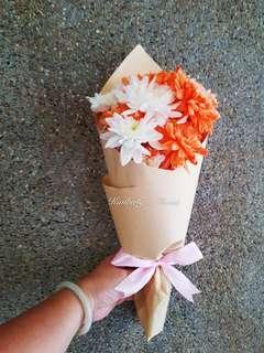 Pom pom hand bouquet