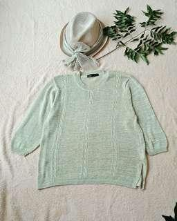 Knit top import