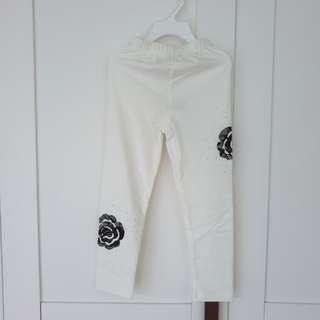 🚚 [Size 100 For Age 3-4 / Older] Girls' / Kids' / Children's White Colour Cotton Leggings Tights