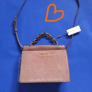 Charles and Keith ♥️ magnetic flap / top chain bag