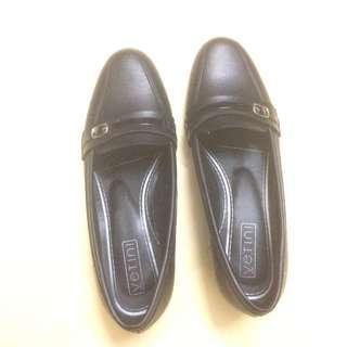 Ventini black shoes