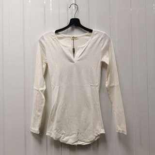 🚚 White Long Sleeve Top Free size